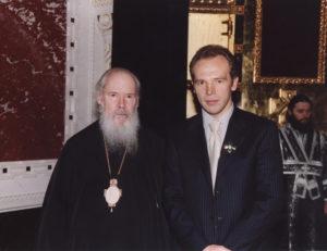 Александр Иванович глбоко верующий человек