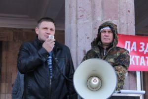 Петр Стародуб выступает на митинге в станице Динской. Фото: kavpolit.com